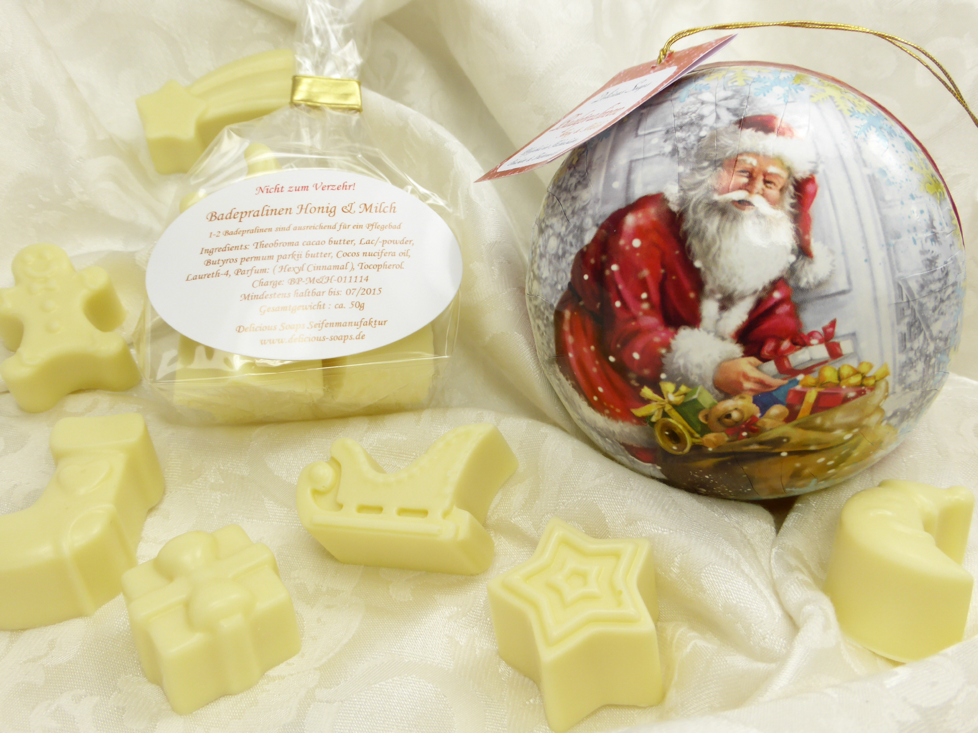 weihnachtskugel badepralinen honig milch delicious soaps badeconfiserie. Black Bedroom Furniture Sets. Home Design Ideas