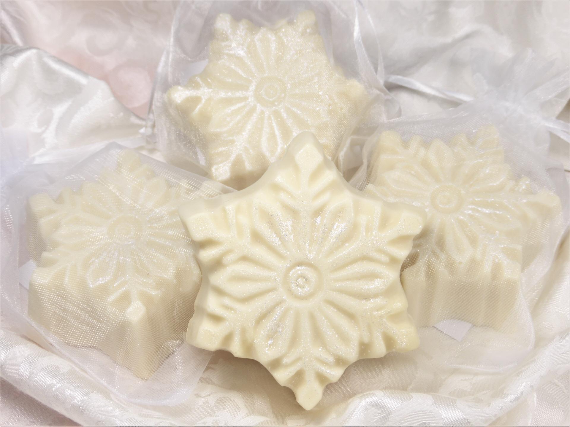 Weihnachtsseife Schneeflöckchen - Seifenmanufaktur Delicious Soaps